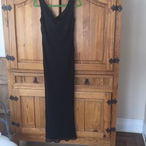 Jones New York Dresses - Jones New York Gown, Black silk, beaded, 6